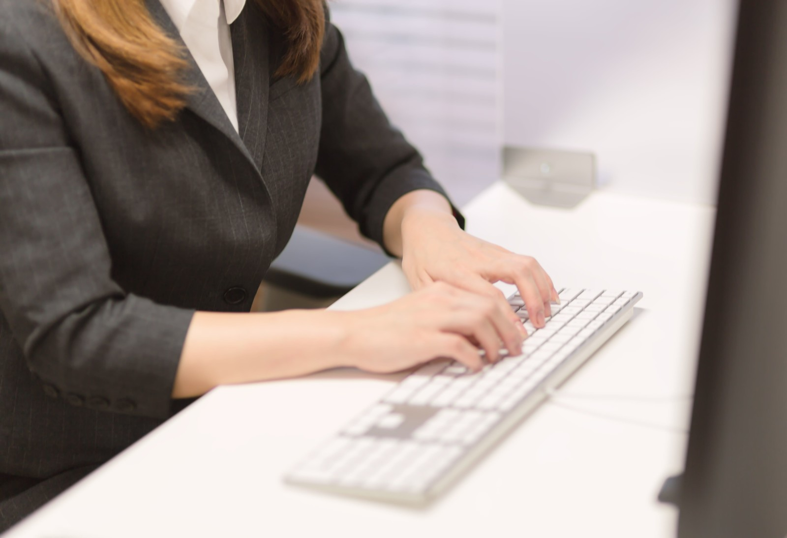 正社員になりたくないから派遣社員、契約社員で働くリスク。いずれ後悔する可能性も多い